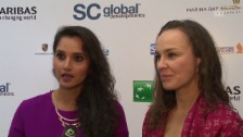 Link öffnet eine Lightbox. Video Hingis/Mirza vor WTA-Finals: «Wir finden uns schon wieder» abspielen
