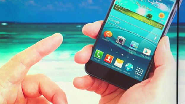 Video «Vergleich Roamingtarife: So wird das Handy nicht zur Kostenfalle» abspielen