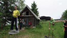 Link öffnet eine Lightbox. Video Zirkusschule auf Tour (Geolino) abspielen