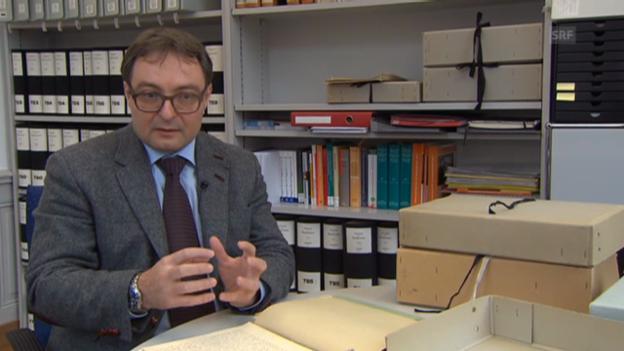 Video «Polit-Historiker Sacha Zala äussert sich zu den Dokumenten.» abspielen