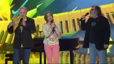 Link öffnet eine Lightbox. Video «Hello Again! Die Pop-Schlager Show» mit Peter, Sue & Marc abspielen