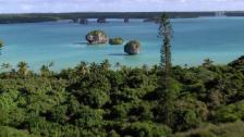 Link öffnet eine Lightbox. Video Neukaledonien aus der Luft abspielen