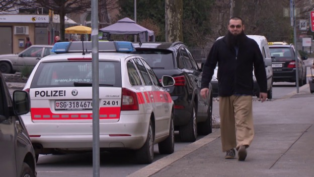 Video «CVP will härtere Gangart für Integrationsunwillige» abspielen