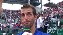 Link öffnet eine Lightbox. Video Albert Ramos-Vinolas überrascht Roland Garros abspielen
