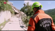 Link öffnet eine Lightbox. Video Katastrophenhilfe im zerstörten Pescara del Tronto abspielen