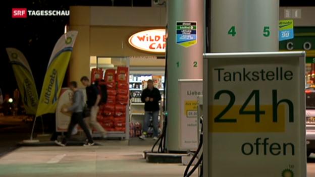 Video «Für längere Öffnungszeiten der Tankstellenshops» abspielen