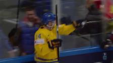 Link öffnet eine Lightbox. Video Schweden müht sich zu Overtime-Sieg über Lettland abspielen