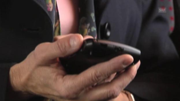 Video «Die umstrittene Handyszene aus dem Film «Die Abwahl»»  abspielen