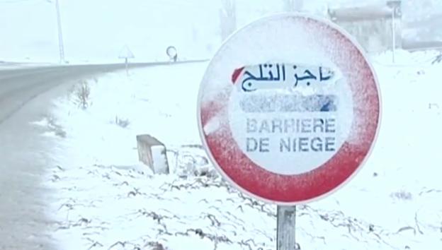 Video «Marokko versinkt im Schnee» abspielen