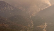 Link öffnet eine Lightbox. Video Waldbrände nahe Los Angeles (unkommentiert) abspielen