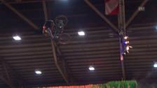 Link öffnet eine Lightbox. Video Spektakel in Thun: Nicholi Rogatkin siegt am Rocket Air abspielen
