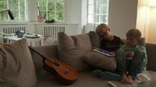 Link öffnet eine Lightbox. Video Julian und Marius und ihre schulische Integration abspielen.