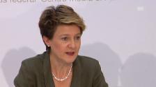 Video «Pressekonferenz von Simonetta Sommaruga zum Asylgesetz» abspielen