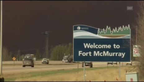 Link öffnet eine Lightbox. Video Feuerwehrchef: «Fort McMurray vom Brand überrollt» abspielen