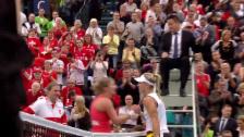 Link öffnet eine Lightbox. Video Es steht 1:1 nach Tag 1 im Fedcup-Viertelfinal Deutschland - Schweiz abspielen