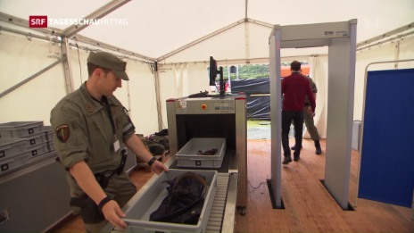 Link öffnet eine Lightbox. Video Gotthard: Sicherheit geht vor abspielen