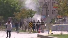 Link öffnet eine Lightbox. Video Anschlag auf Polizeistation in Gaziantep abspielen