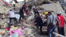 Link öffnet eine Lightbox. Video Erdbeben fordert in Italien Dutzende Tote abspielen