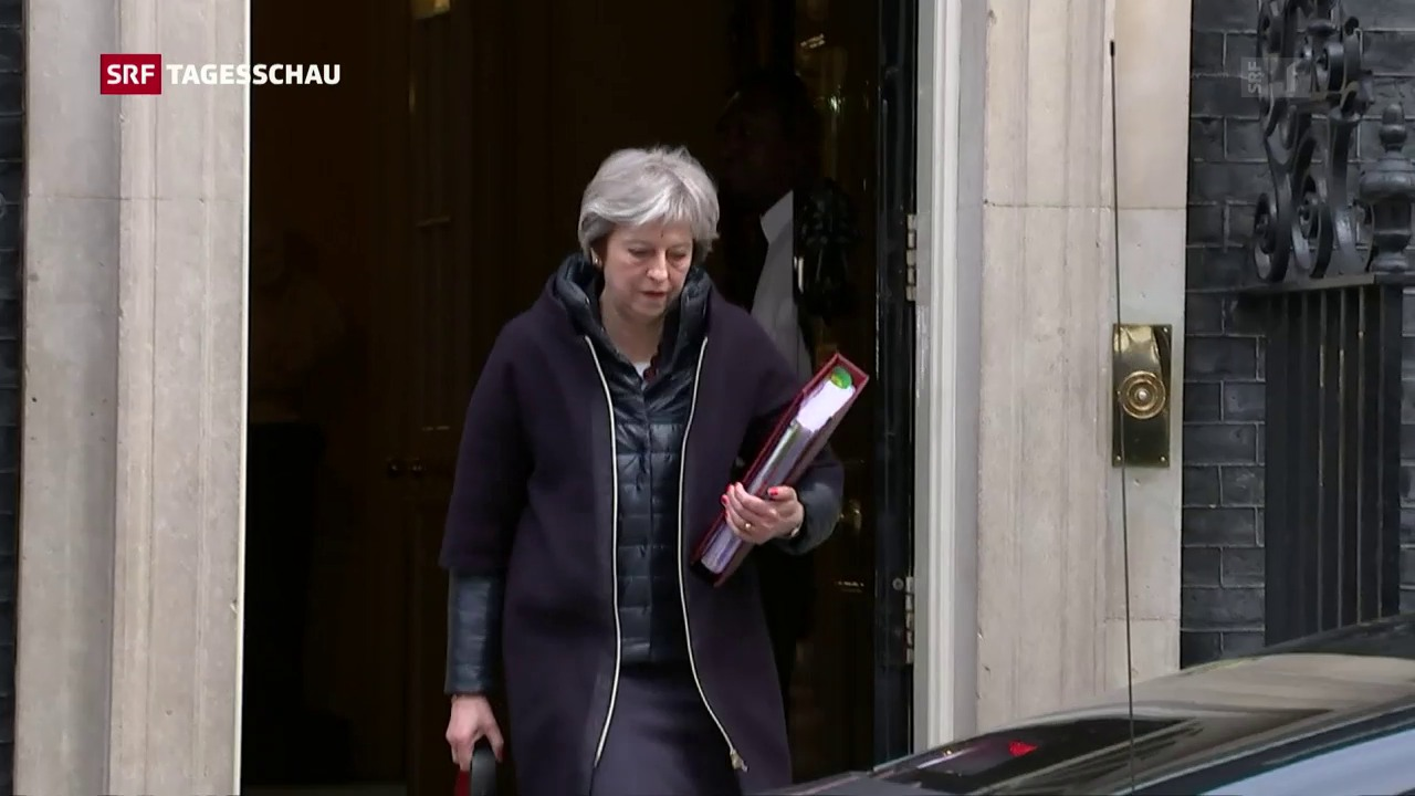 Theresa May greift in Spionage-Affäre hart durch