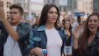 Video «Mit Kommentaren gegen zweifelhaften Auftritt» abspielen