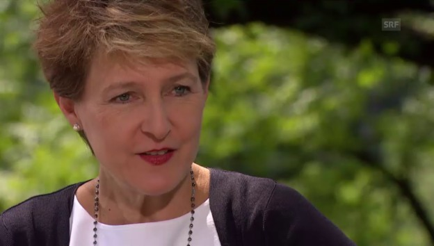 Video «Aus 1.August-Gespräch: «Kein Wahlkampf mit Asylthema»» abspielen