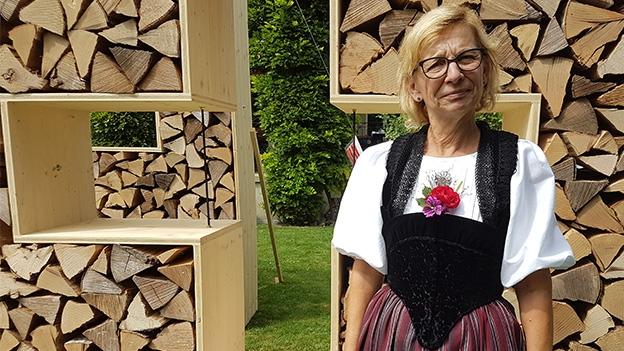 Gabi Wehrli und ihre Gotthelf-Tracht