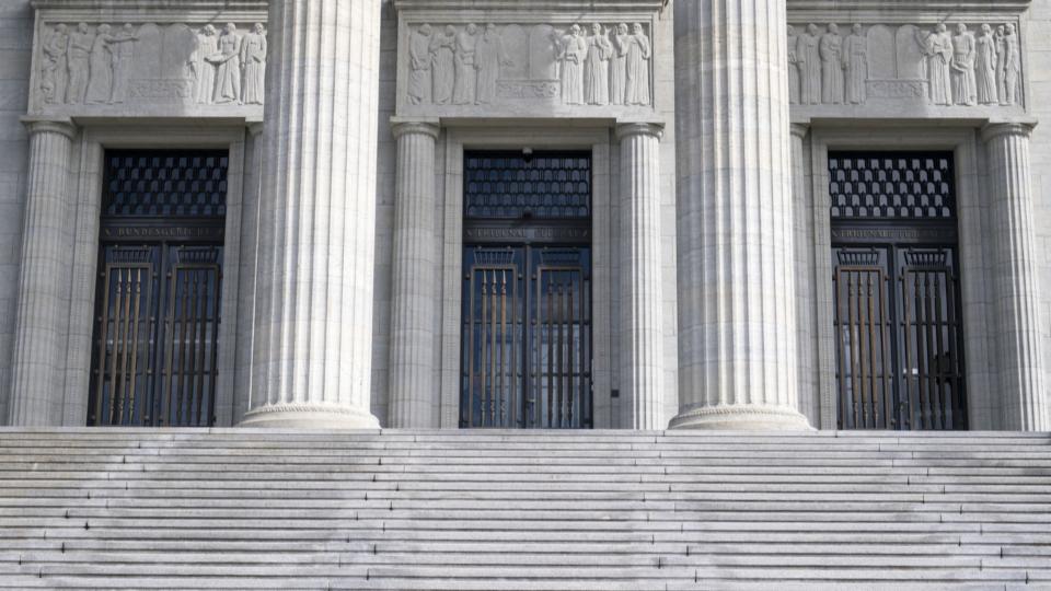 Bundesgericht:  Beschwerden zu kantonalen Corona-Massnahmen abgewiesen