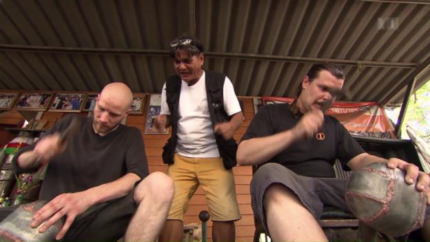 Video «Schmiede, Thailand» abspielen