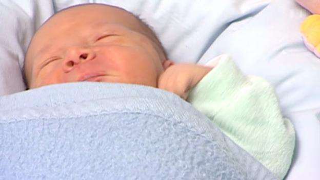 Video «Neugeborene kennen Muttersprache» abspielen