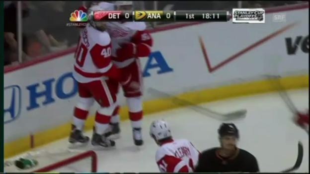 Video «NHL: Tore bei Anaheim - Detroit» abspielen
