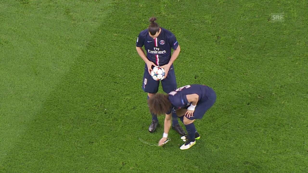 Fussball: Champions League, PSG - Chelsea, Freistoss-Spray Luiz