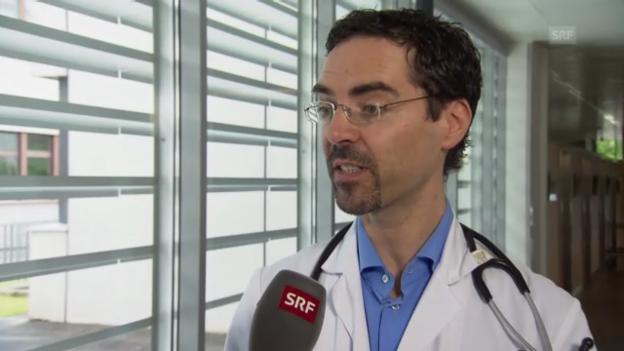 Video «Infektiologie Philip Tarr zum Umgang mit Antibiotika-Nebenwirkungen» abspielen