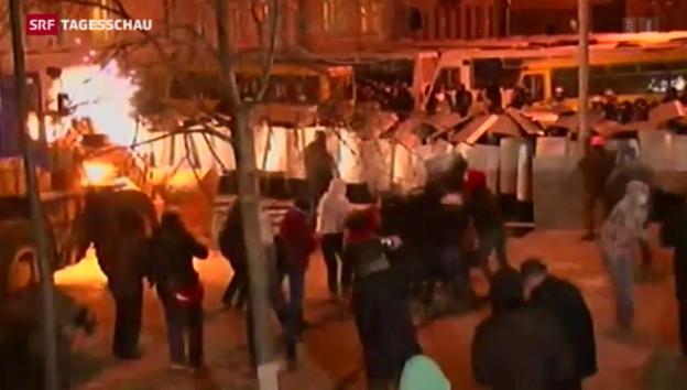 Video «Proteste in der Ukraine arten in Gewalt aus» abspielen
