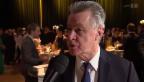 Video «Gesprächig: Dominique Gisin, Ottmar Hitzfeld und Co. im Interview» abspielen