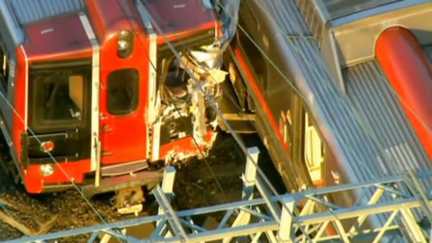 Video «Zwei Züge kollidieren in Connecticut (ohne Ton)» abspielen