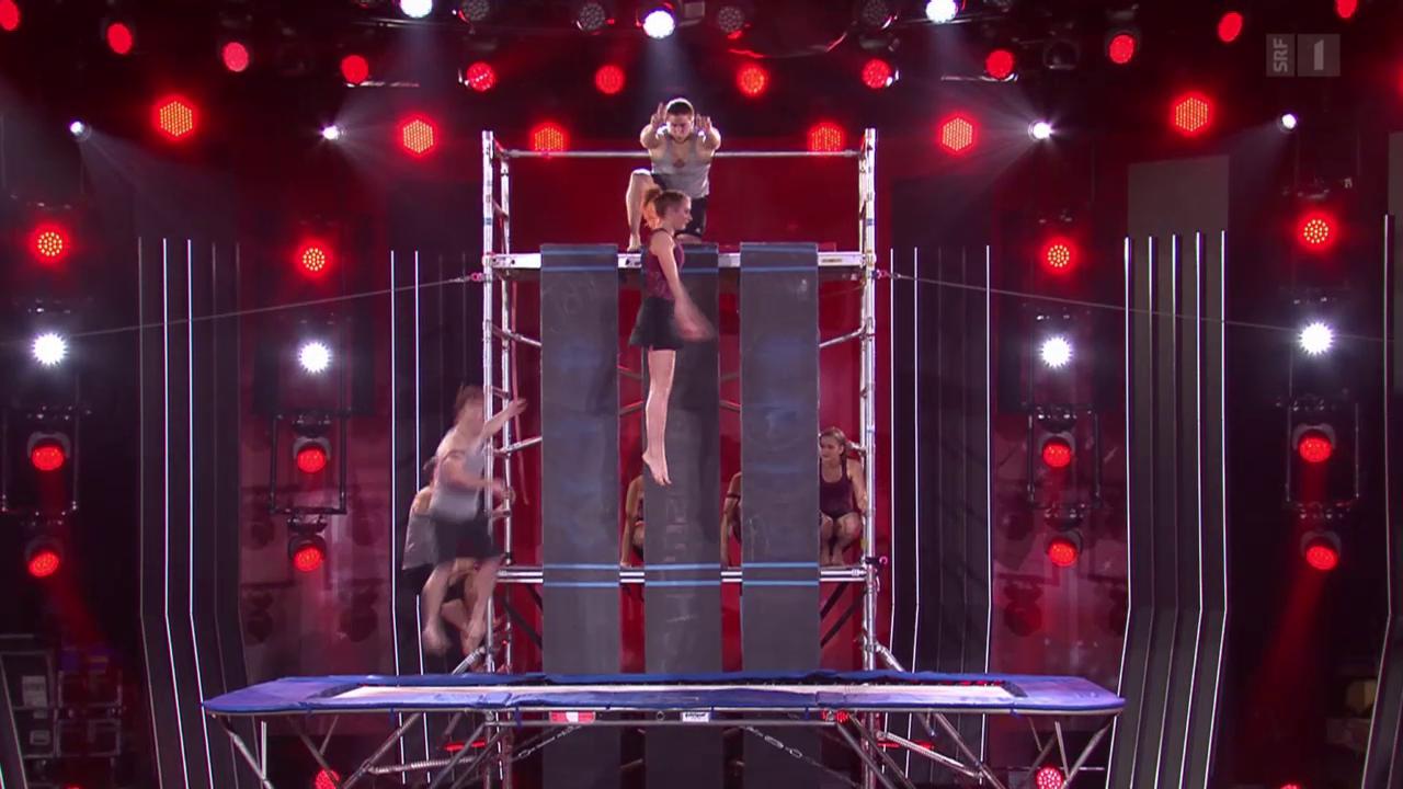 Wallscrapers zeigen Trampolin-Akrobatik