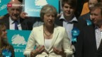 Video «Theresa May bleibt Wahlschlappe erspart» abspielen