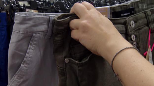 Video «Wirrwarr Kleidergrössen: Modeketten machen Schlanke dick» abspielen