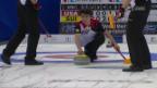 Video «Schweizer Curler startet mit Sieg und Niederlage in WM» abspielen