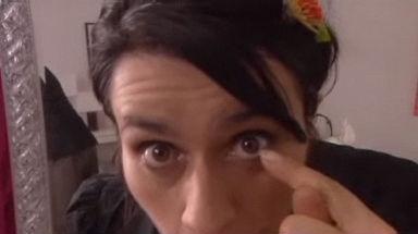 Video «Verlorene Kontaktlinse finden» abspielen
