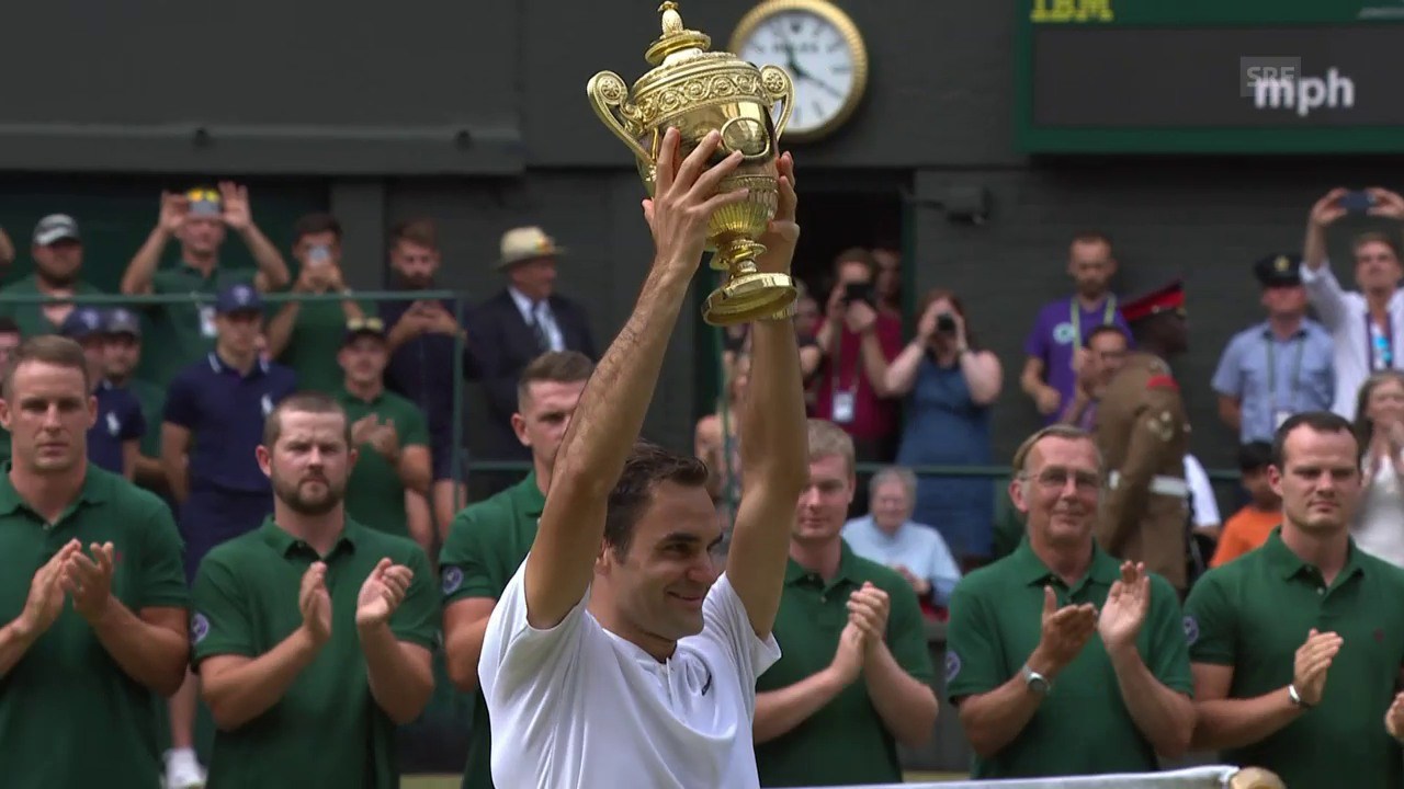 Die Pokalübergabe an Rekordchampion Federer