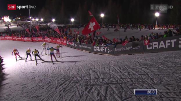 Video «Langlauf: Sprint Lenzerheide, Final Männer mit Dario Colognas Sturz» abspielen