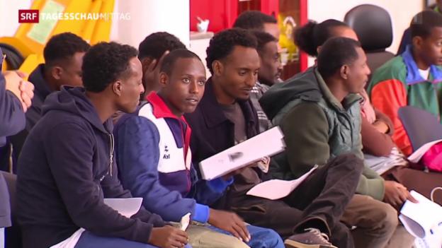 Video «Auftakt der Flüchtlingsumverteilung» abspielen