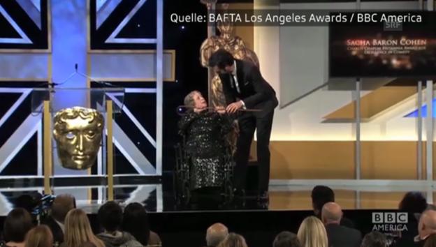 Video «Komiker Sacha Baron Cohen schockt mit Stunt-Unfall» abspielen