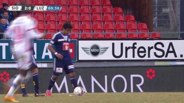 Video «Fussball: SL, Sion - Luzern, Freistosstreffer von Lezcano zum 1:2» abspielen