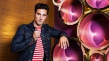 Link öffnet eine Lightbox. Video «Glanz & Gloria Spezial» zum 40sten Todestag von Elvis Presley abspielen