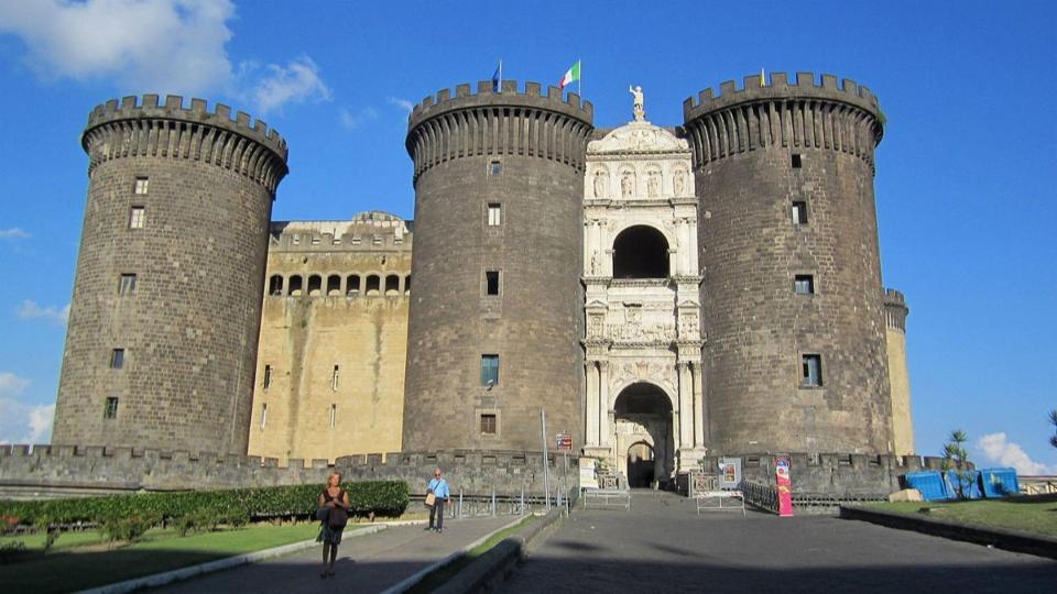 Neapel: vergessene und wiederentdeckte Kunst