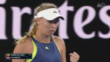 Link öffnet eine Lightbox. Video Wozniacki - Suarez Navarro: Entscheidende Ballwechsel abspielen