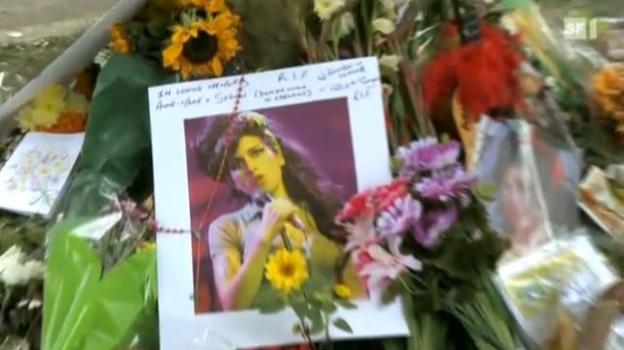 Video «Am Grab von Amy Winehouse» abspielen
