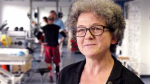 Video «Pia Frankhauser ist nicht überzeugt, dass die Brille einen Physiotherapeuten ersetzen kann.» abspielen